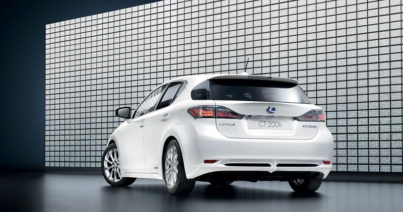 Lexus CT 200h F-Sport: debut na Sydney Motor Show: - fotka 22