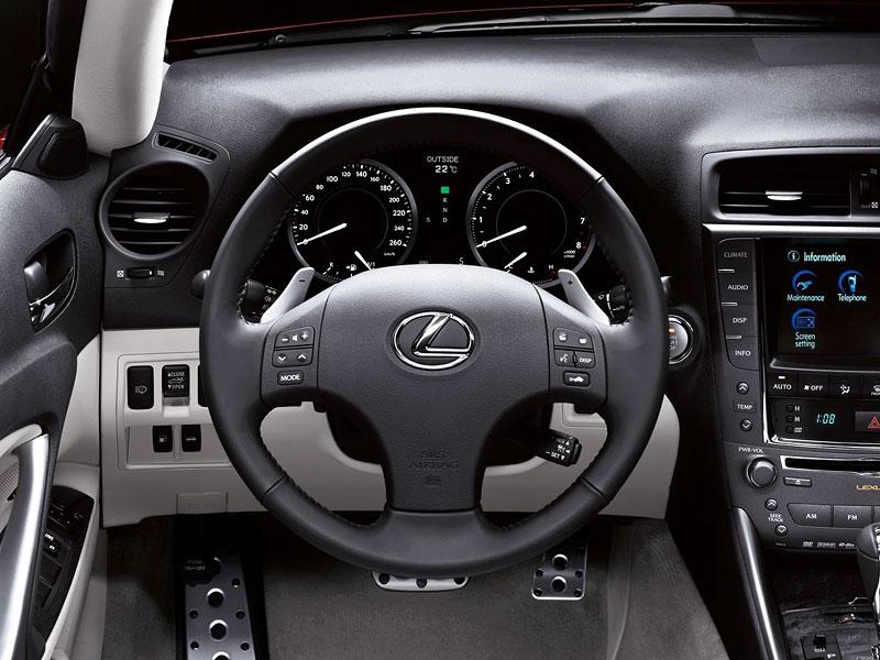 Paříž 2008: Lexus IS 250C: - fotka 2