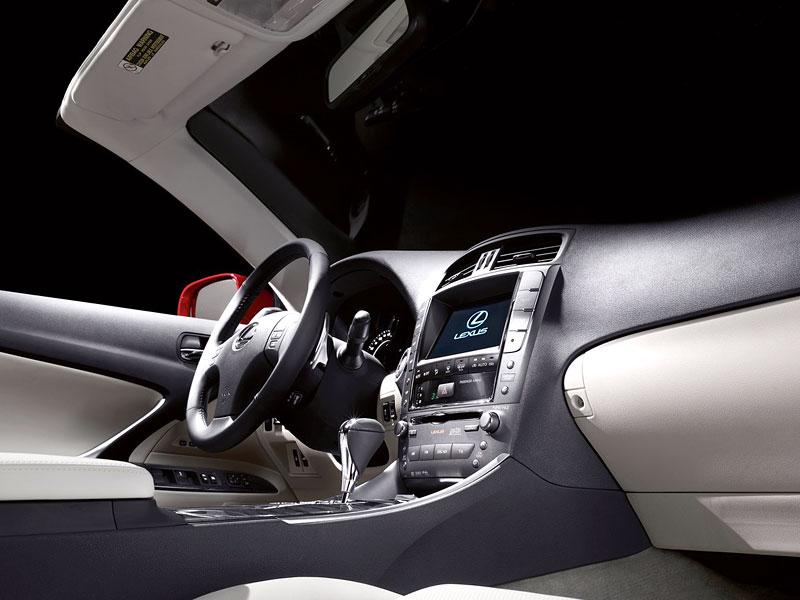 Lexus IS 250C je tu: bez střechy za 1,289 milionu: - fotka 23