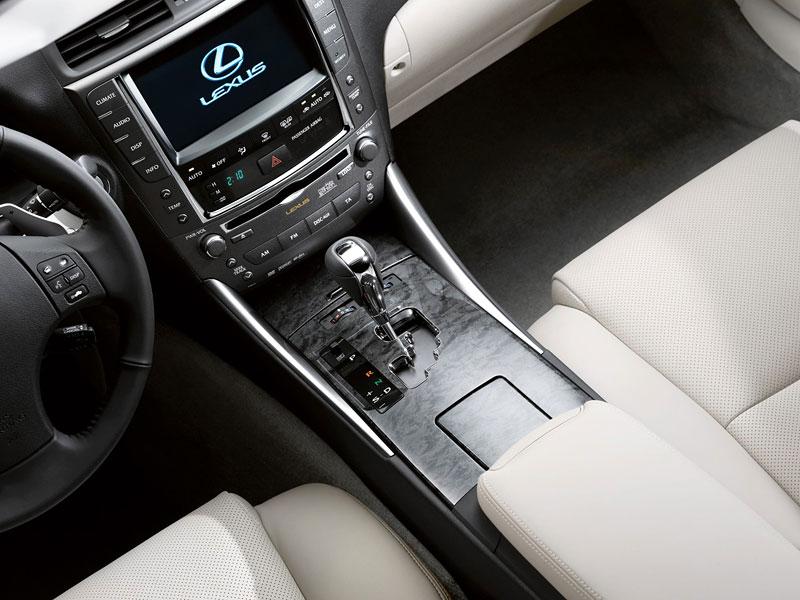 Paříž 2008: Lexus IS 250C: - fotka 6