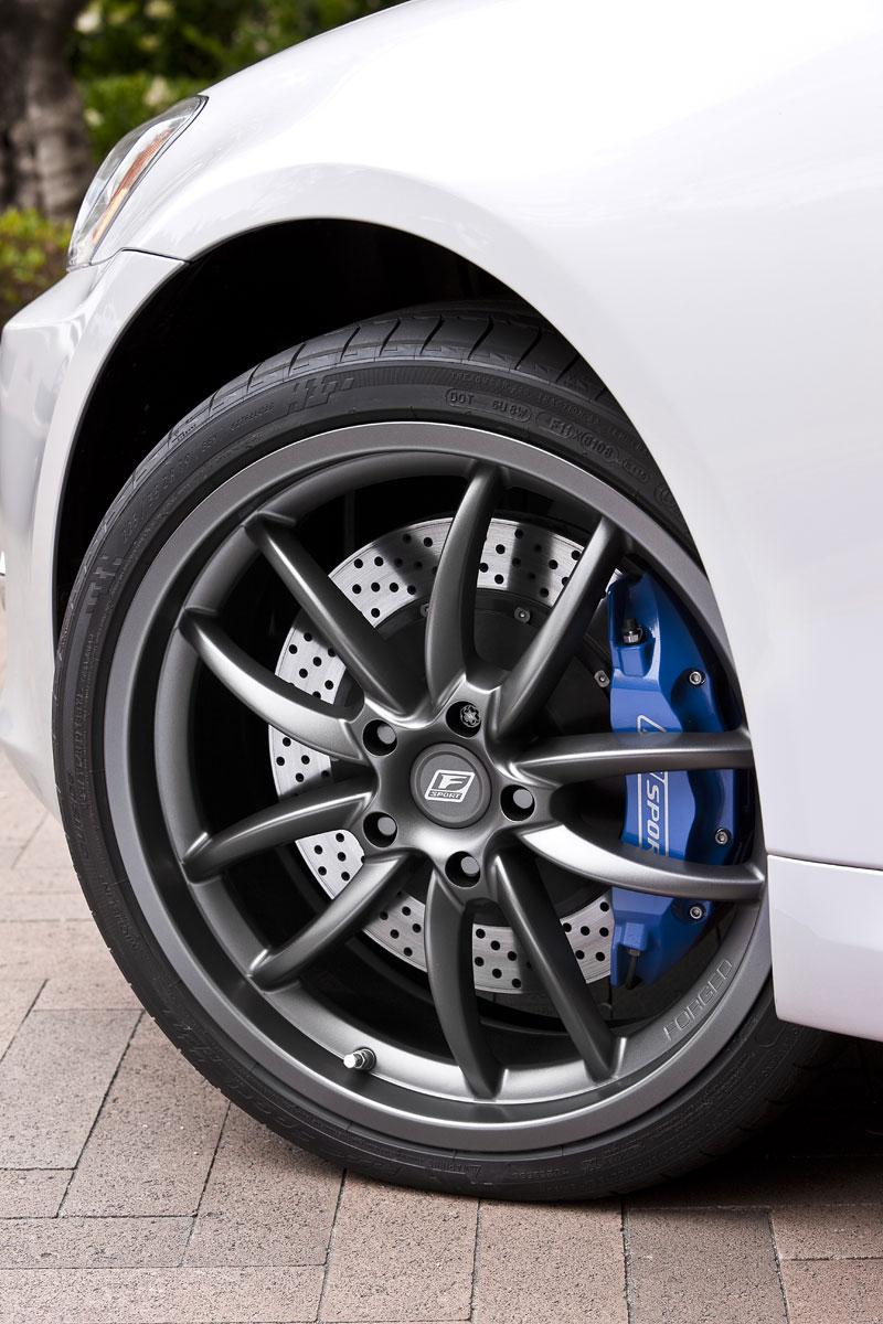 Lexus IS350C F-Sport: Evropa zase ostrouhala: - fotka 11