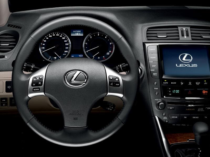 Lexus IS F-Sport (a ti druzí): další decentní facelift: - fotka 34