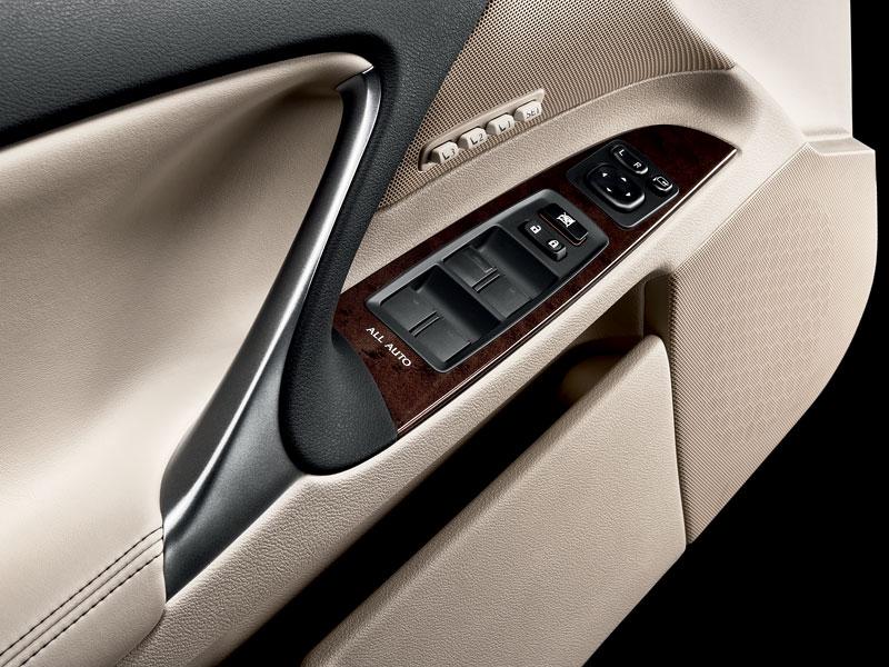 Lexus IS F-Sport (a ti druzí): další decentní facelift: - fotka 38