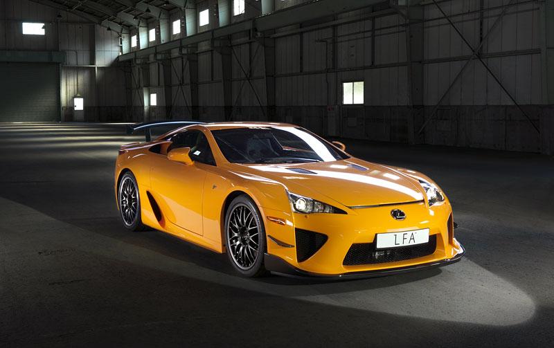 Ženeva 2011: Lexus LF-A Nürburgring Edition - nové foto: - fotka 12