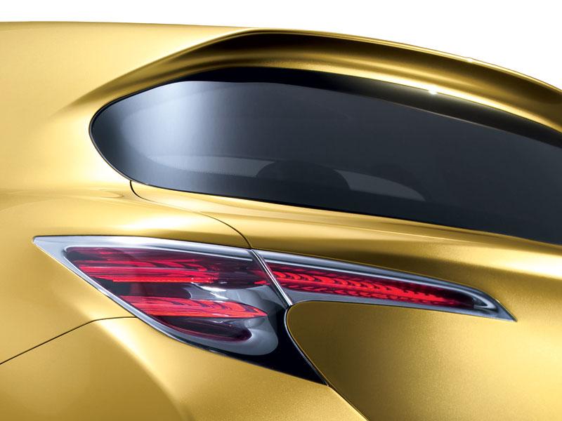 Lexus LF-Ch: první foto kompaktního hatchbacku: - fotka 2