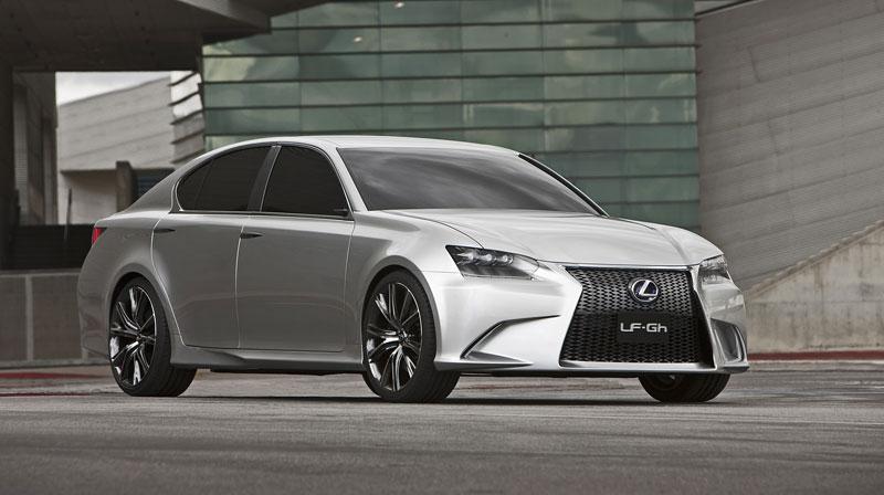 Lexus GS F: Pětilitrový osmiválec a kompresor: - fotka 12