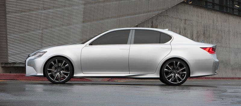Lexus GS F: Pětilitrový osmiválec a kompresor: - fotka 23