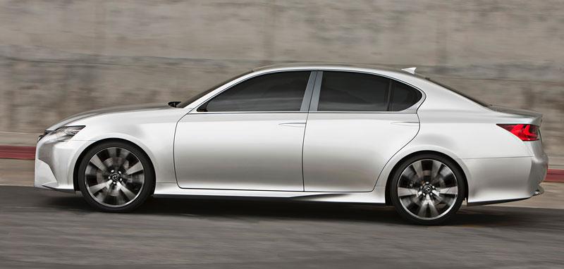 Lexus GS F: Pětilitrový osmiválec a kompresor: - fotka 24