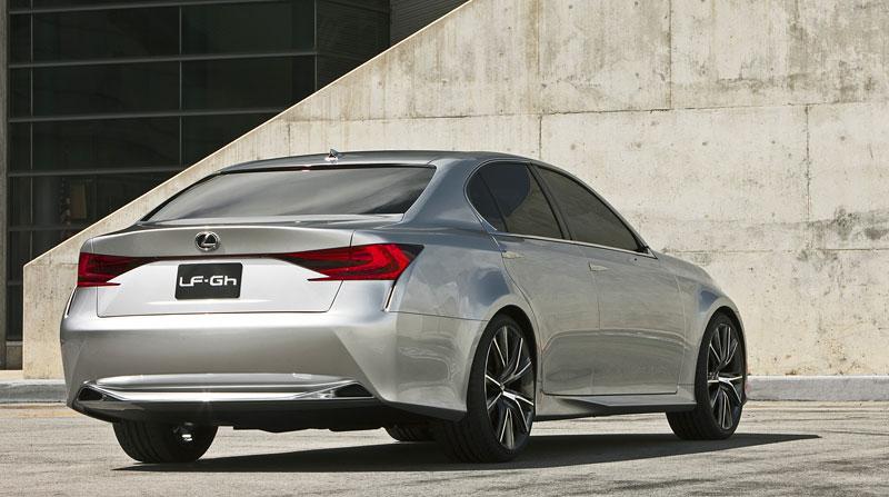 Lexus GS F: Pětilitrový osmiválec a kompresor: - fotka 30