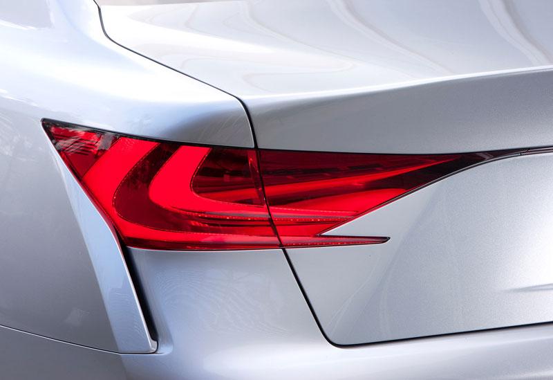 Lexus LF-Gh: první snímky konceptu nástupce sedanu GS: - fotka 2