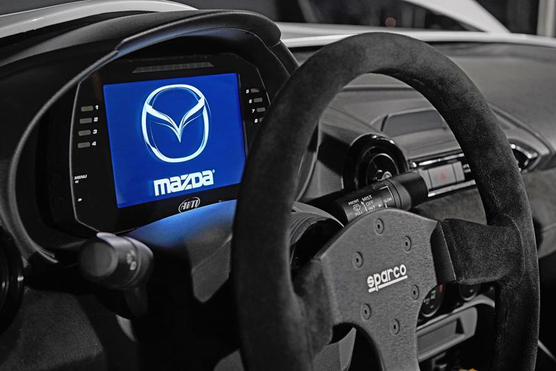 Mazda MX-5 Speedster Evolution a MX-5 RF Kuro sází na muší váhu: - fotka 1
