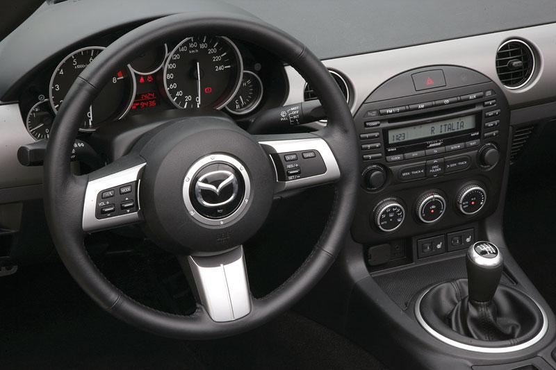 Mazda MX-5: chystají se velké změny: - fotka 2