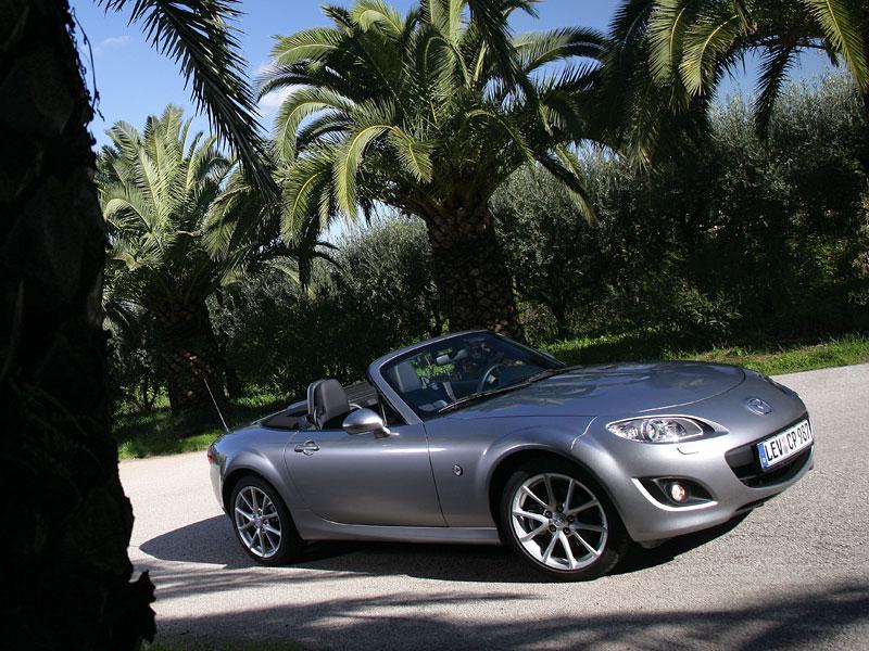 Mazda MX-5: chystají se velké změny: - fotka 40