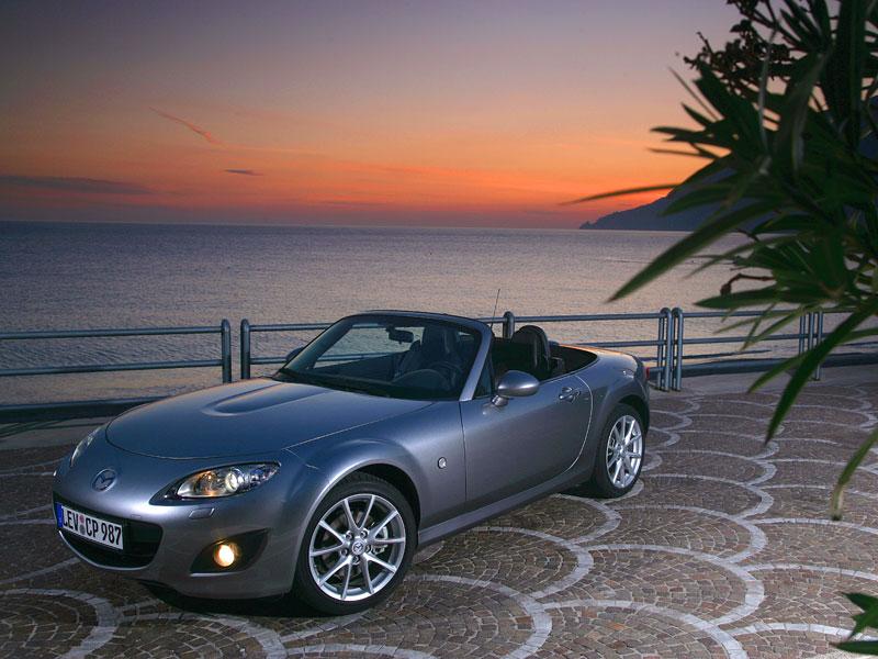 Mazda MX-5: chystají se velké změny: - fotka 45