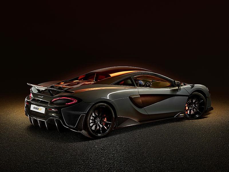 Víte, proč má McLaren 600LT výfuk vyvedený vzhůru? Přináší to spoustu výhod: - fotka 1