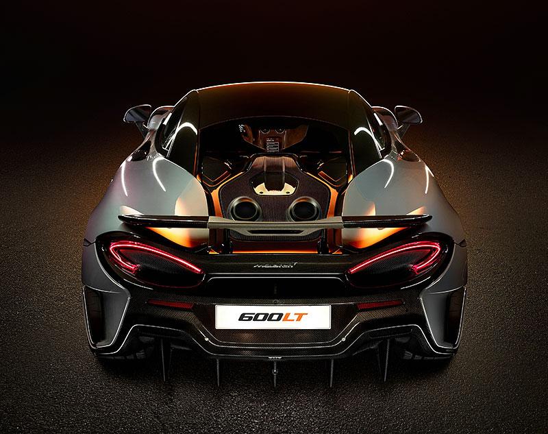 Víte, proč má McLaren 600LT výfuk vyvedený vzhůru? Přináší to spoustu výhod: - fotka 6