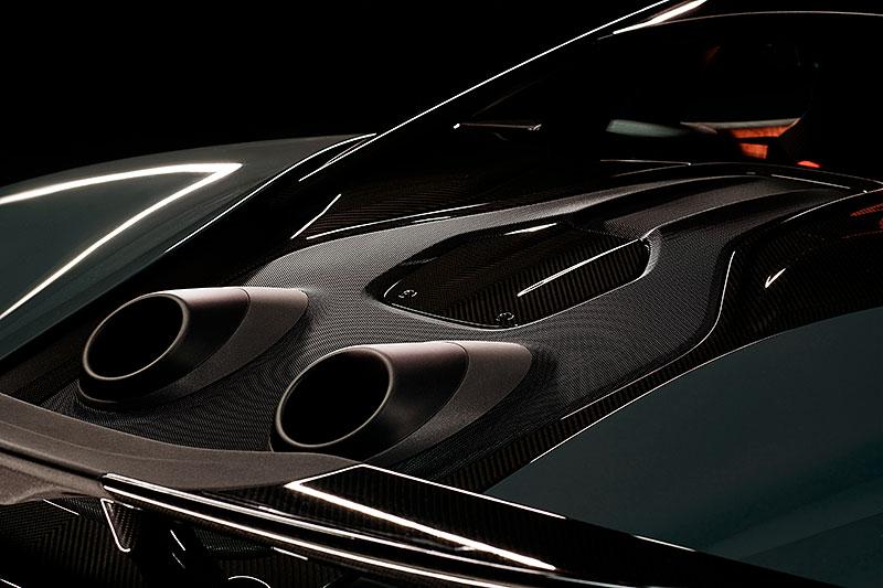 Víte, proč má McLaren 600LT výfuk vyvedený vzhůru? Přináší to spoustu výhod: - fotka 7