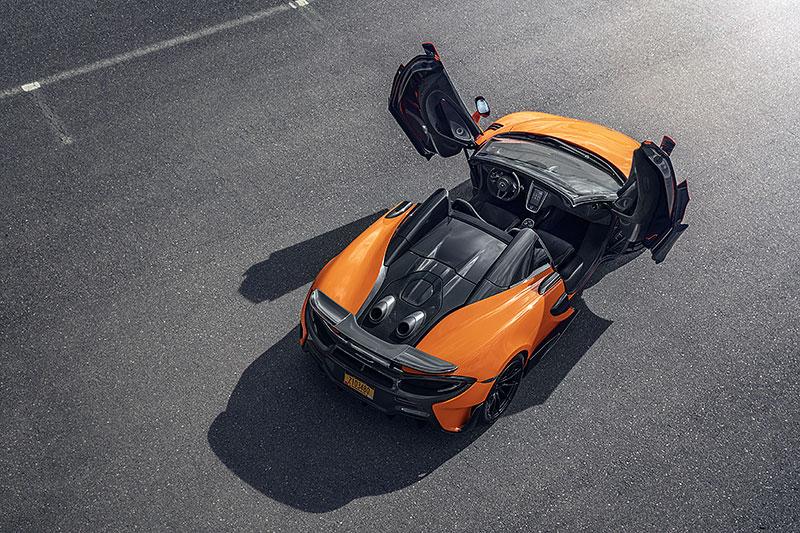 Víte, proč má McLaren 600LT výfuk vyvedený vzhůru? Přináší to spoustu výhod: - fotka 12