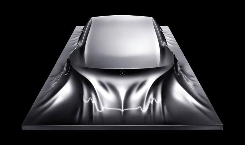 Mercedes-Benz Rising Car: designéři vytvořili opravdu pěknou sochu: - fotka 2