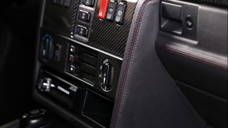 Mercedes-Benz G Carbon Motors: Bulhaři vyhlásili válku plastům: - fotka 4
