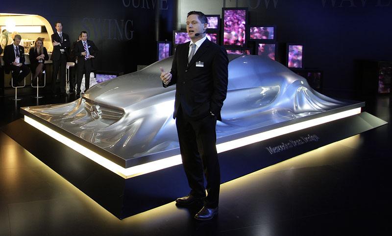 Mercedes-Benz Rising Car: designéři vytvořili opravdu pěknou sochu: - fotka 5