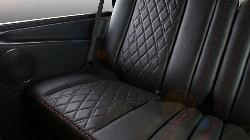 Mercedes-Benz G Carbon Motors: Bulhaři vyhlásili válku plastům: - fotka 10