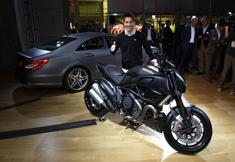 Značky AMG a Ducati oznámily v Los Angeles spolupráci: - fotka 9