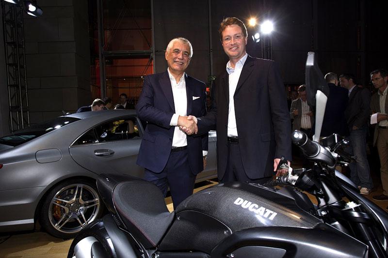 Značky AMG a Ducati oznámily v Los Angeles spolupráci: - fotka 10