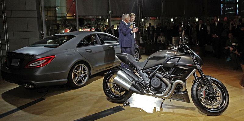Značky AMG a Ducati oznámily v Los Angeles spolupráci: - fotka 11