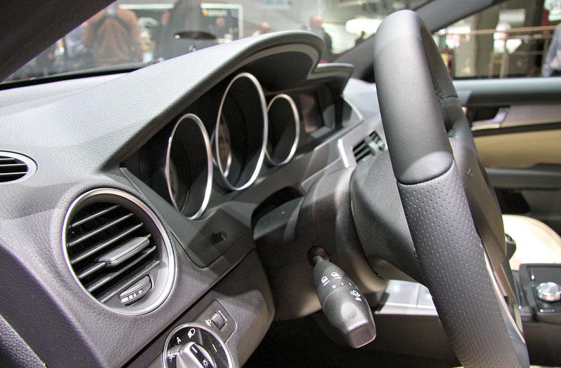 Ženeva 2011 živě: sportovní Mercedesy: - fotka 6
