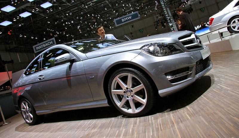 Ženeva 2011 živě: sportovní Mercedesy: - fotka 12