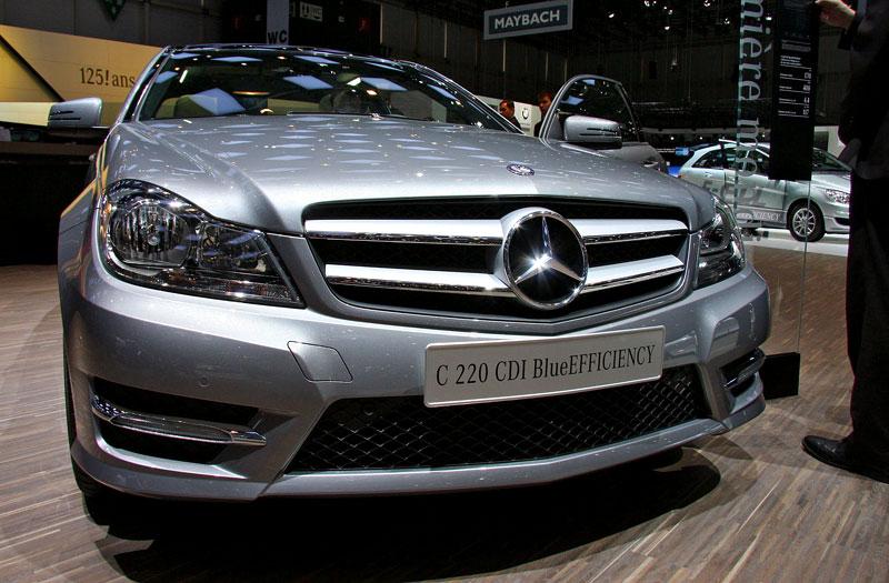 Ženeva 2011 živě: sportovní Mercedesy: - fotka 13