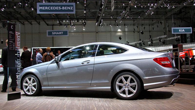 Ženeva 2011 živě: sportovní Mercedesy: - fotka 14