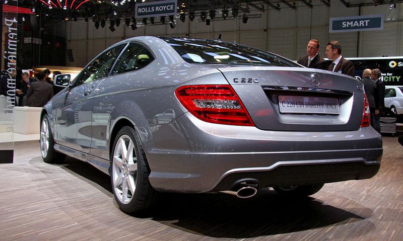 Ženeva 2011 živě: sportovní Mercedesy: - fotka 18