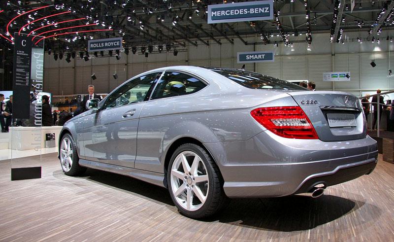 Ženeva 2011 živě: sportovní Mercedesy: - fotka 19