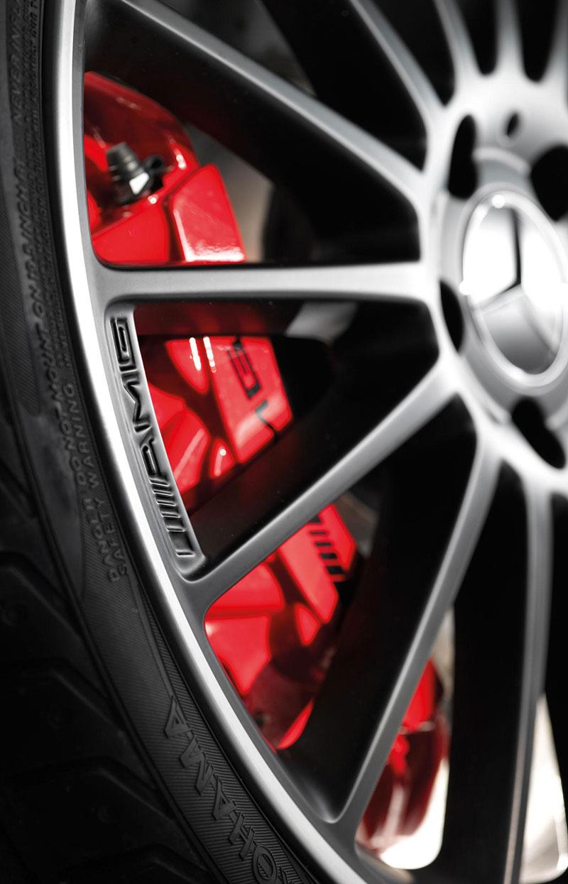 Mercedes-Benz C63 AMG Affalterbach: speciál pro Javorové listy: - fotka 9