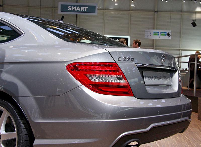 Ženeva 2011 živě: sportovní Mercedesy: - fotka 27