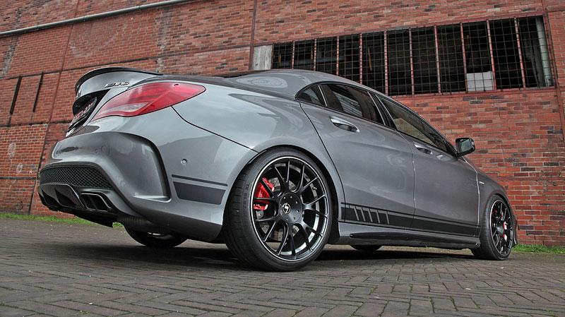 Mercedes-AMG CLA 45 4Matic po lehkém přiostření: - fotka 10
