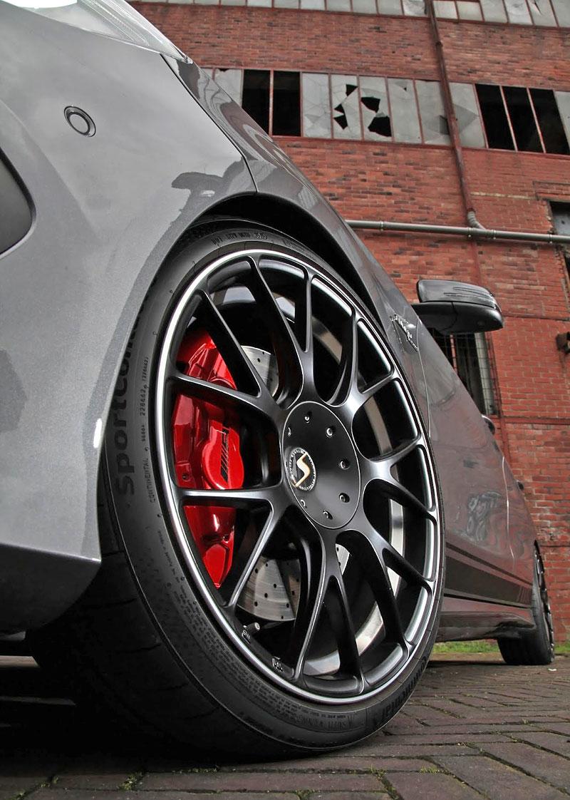 Mercedes-AMG CLA 45 4Matic po lehkém přiostření: - fotka 17