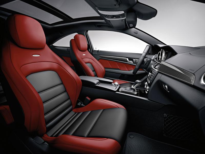 Mercedes-Benz C63 AMG Coupe: nejmenší sporťák se představuje: - fotka 3