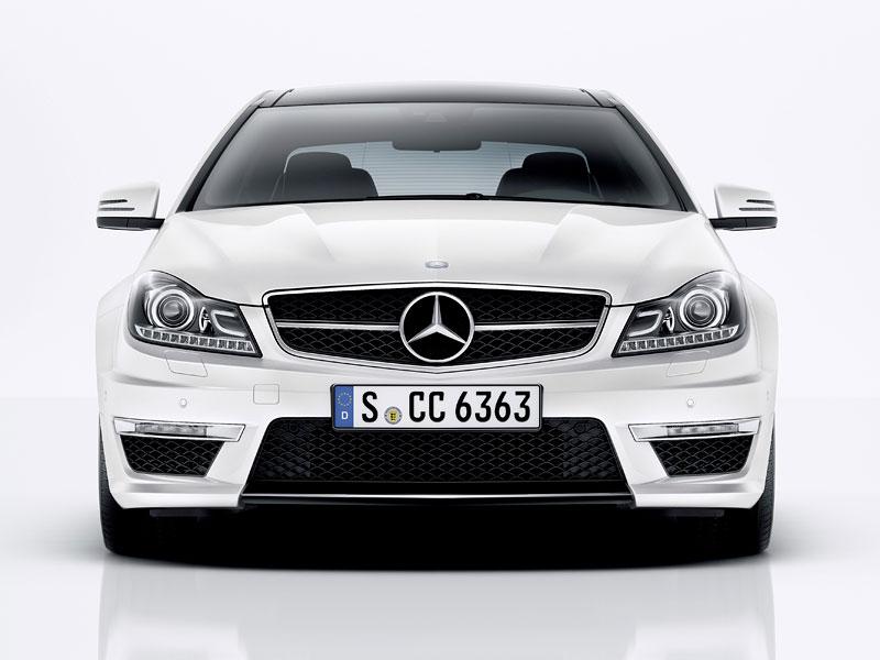 Mercedes-Benz C63 AMG Coupe: nejmenší sporťák se představuje: - fotka 7