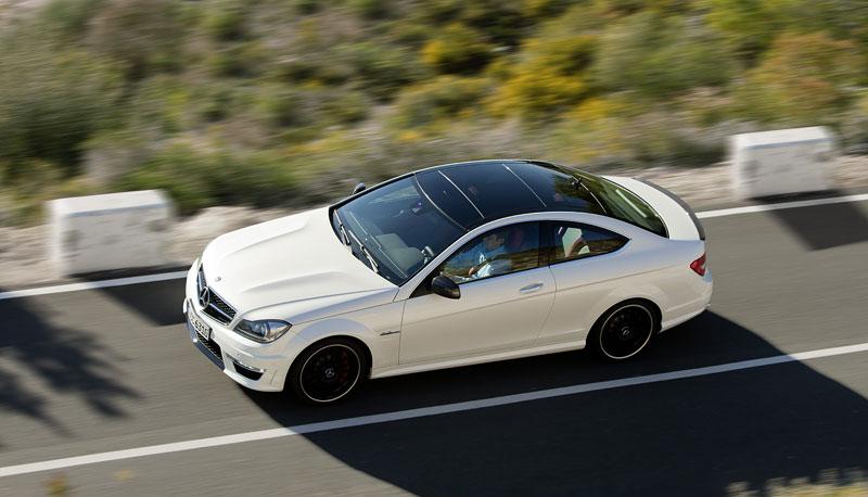 Mercedes-Benz C63 AMG Coupe: nejmenší sporťák se představuje: - fotka 18