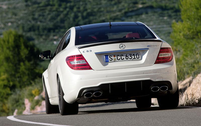 Mercedes-Benz C63 AMG Coupe: nejmenší sporťák se představuje: - fotka 32