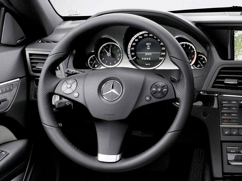 Ženeva 2010 živě: Mercedes-Benz E Cabriolet: - fotka 19
