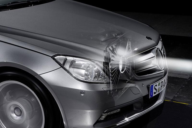Ženeva 2010 živě: Mercedes-Benz E Cabriolet: - fotka 100