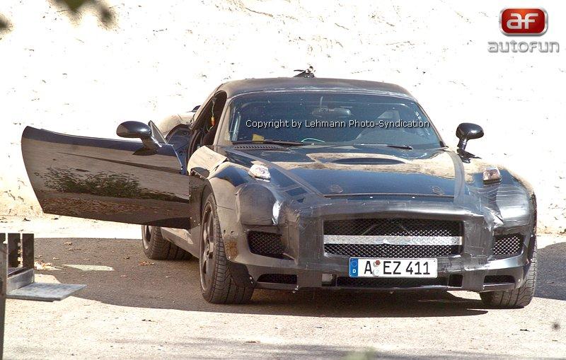 Spy photos: Mercedes W197 – Vzlet nového Gullwingu: - fotka 2