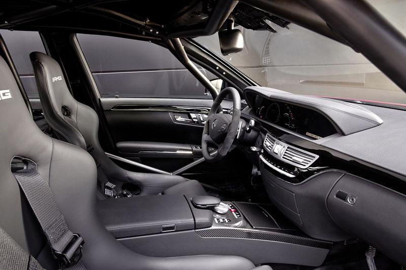 AMG má nový motor V8 5.5 Biturbo: - fotka 1