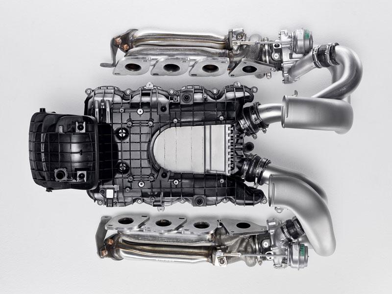 AMG má nový motor V8 5.5 Biturbo: - fotka 24