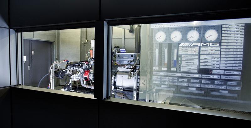AMG má nový motor V8 5.5 Biturbo: - fotka 30