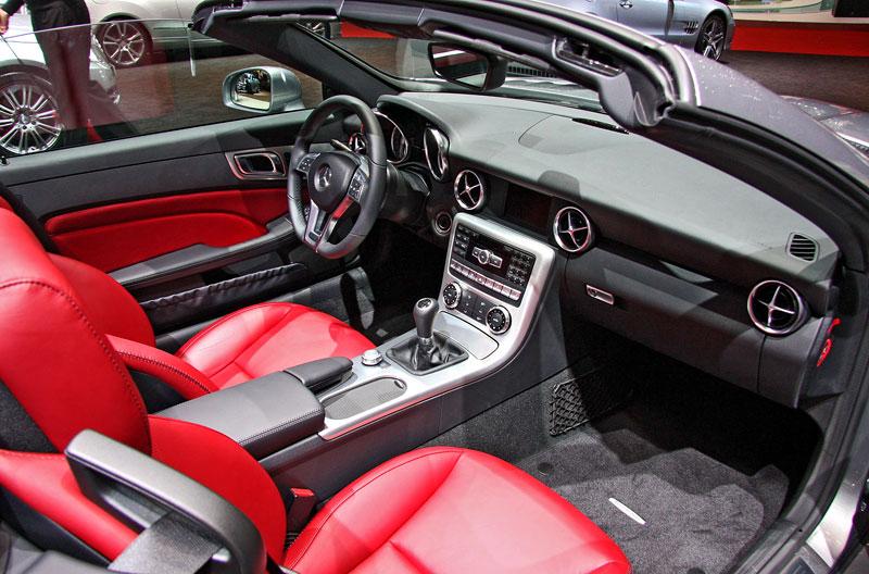 Ženeva 2011 živě: sportovní Mercedesy: - fotka 36